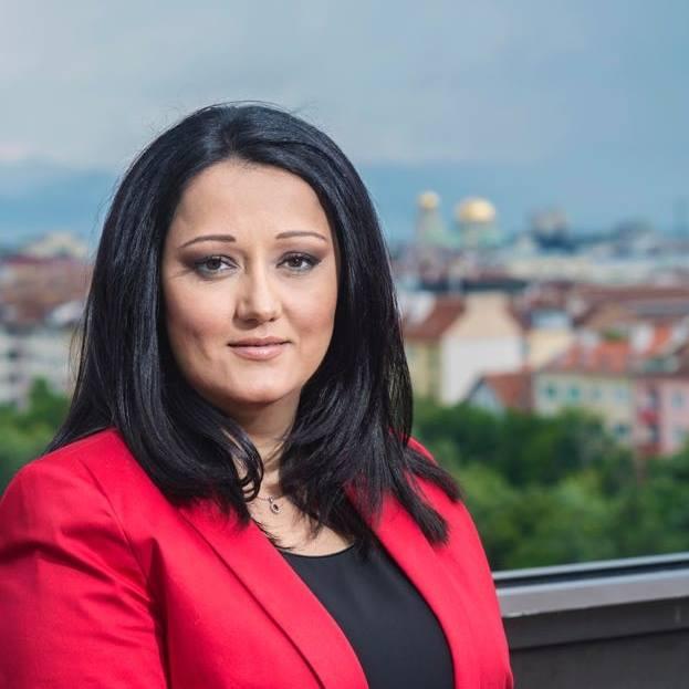 Нейно превъзходителство Лиляна Павлова се шири в апартамент в Люксембург!