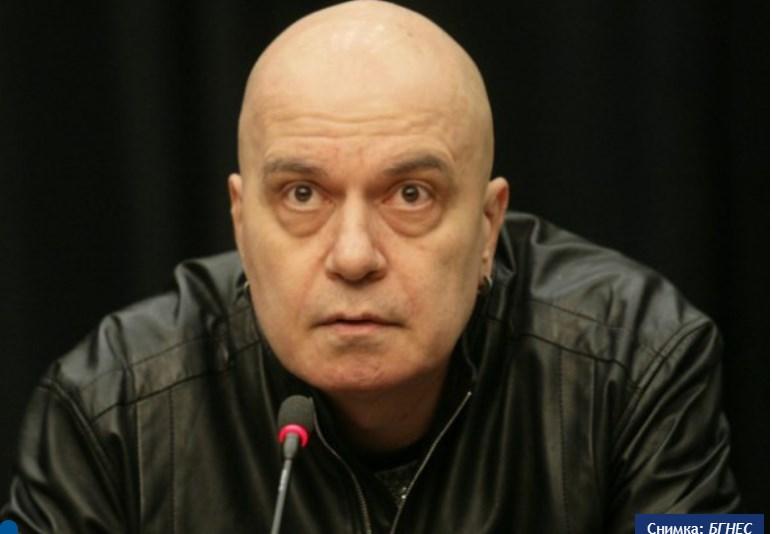 """Трифонов: А ние? Ние да не се правим """"всички тука парле ву франсе"""", като знаем, че сме си """"булгар, булгар""""."""