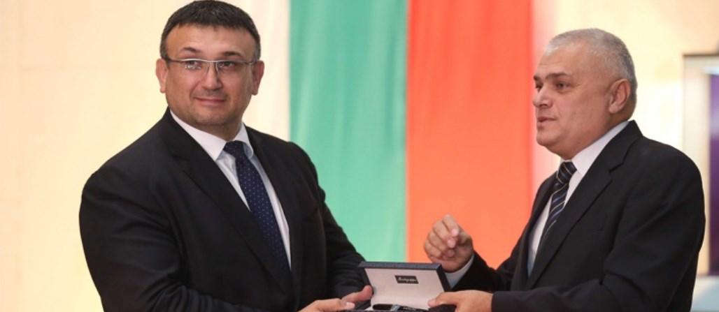 Валентин Радев: Всякак ще помагам на новия министър!
