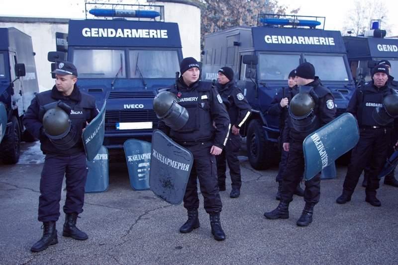 Защо все по- честосрещате коли на жандармерията из улиците?