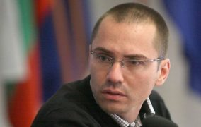 Джамбазки обиден на Хекимян заради високата си заплата на евродепутат
