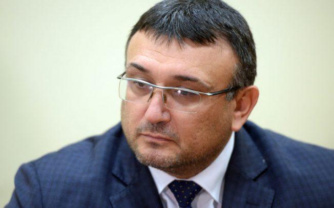 Вътрешният министър Маринов само предполага!