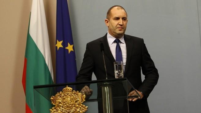 Президентът Радев призова целия български народ!