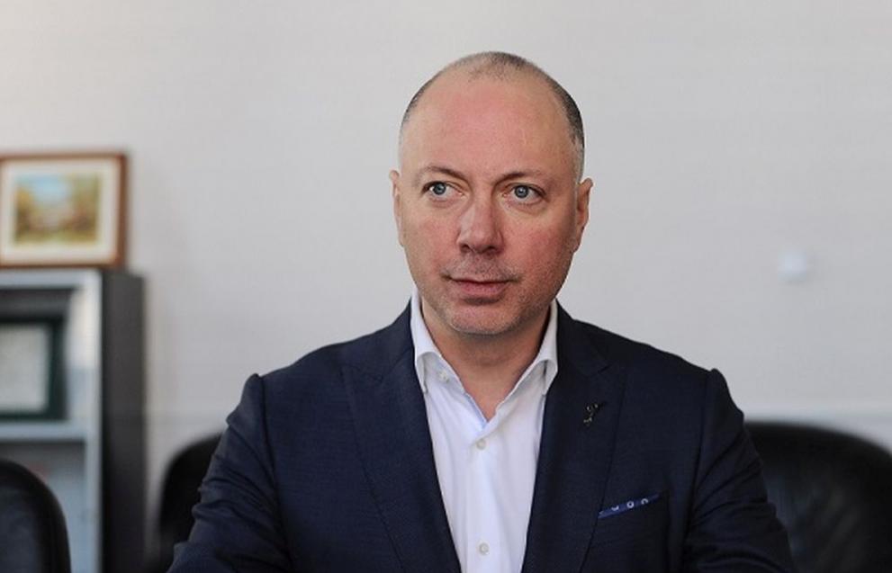 Министърът на транспорта Желязков обяви, че пентхауса на Цветанов с асансьор и апартамента на Цачева са различни казуси.