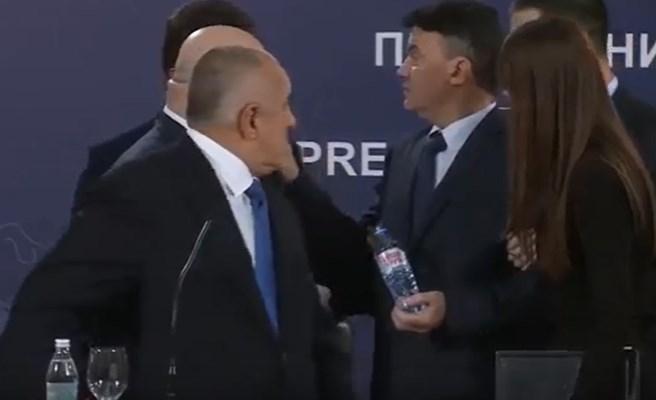 Изнесоха Боби Михайлов от залата, докато Борисов държи реч. Защо?