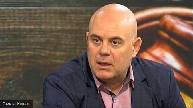 Прокурор Гешев: Близък до банкера – беглец е обвинен като помагач на Елена Йончева.
