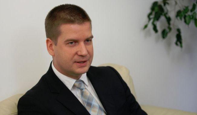 Кметът Живко Тодоров оттегля тъжбите си за обиди и клевети във фейсбук