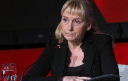 Елена Йончева определи случая с къщите на морето като абсурд.