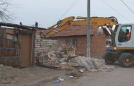 Събарят ромските къщи във Войводиново