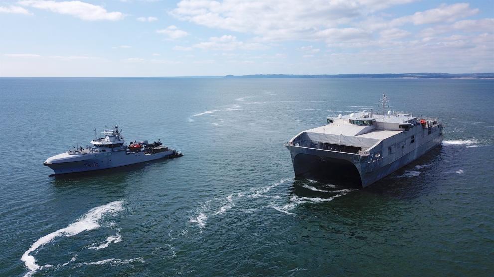 Американски десантен военен кораб вече е в Черно море.