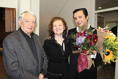 Певецът и любимец на слушащите джаз Васил Петров изкара тъжна новогодишна нощ!