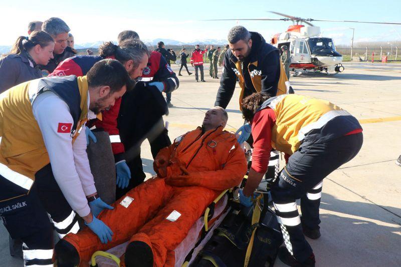 Засега 7 спасени и 1 загинал при потъване на кораб до Турция