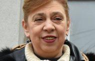 Зомбирана общинска съветничка от ГЕРБ превъзнася властта