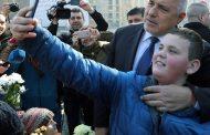 Веселие и купон, селфита и смях до дупка по случай обесването на Васил Левски. Автор: Премиерът Бойко Борисов