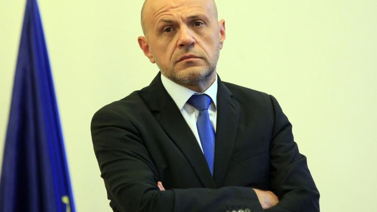 Томислав Дончев възмутен: Някои под карантина се държат безобразно