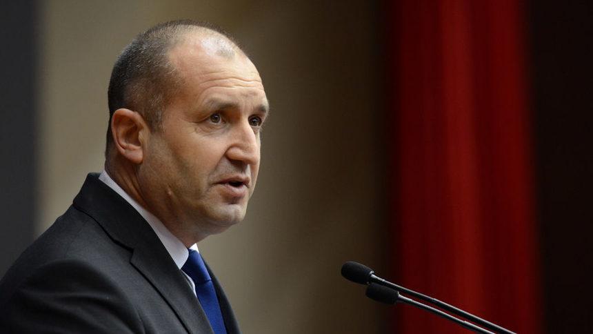 Антон Тодоров отново захапа президента Радев!