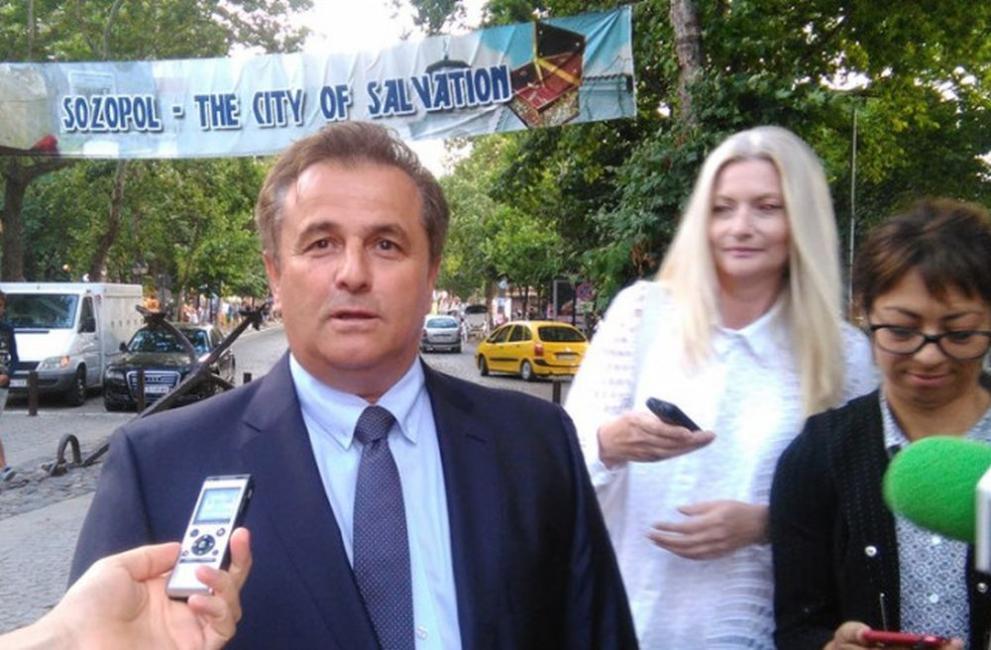 Арестуваха кмета на Созопол и го пуснаха срещу подписка.