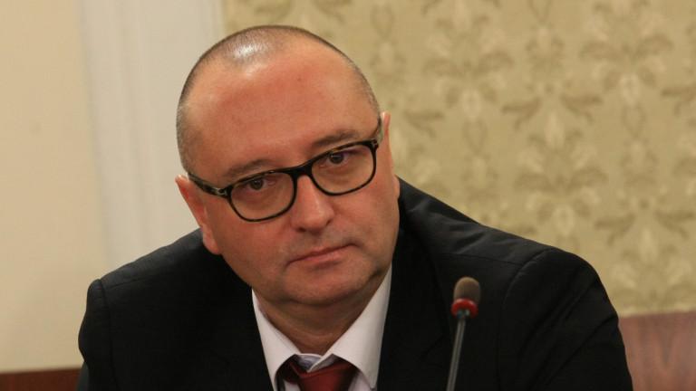 Георги Ушев, шеф на спецсъда, също се е облажил с имот на подцена