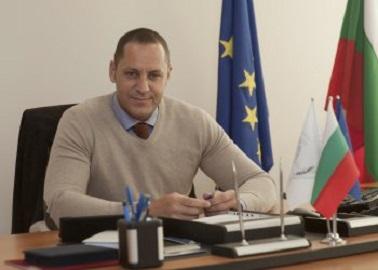 Зам. – министъра на икономиката Манолев изгоря за къща с европари от Порожанов