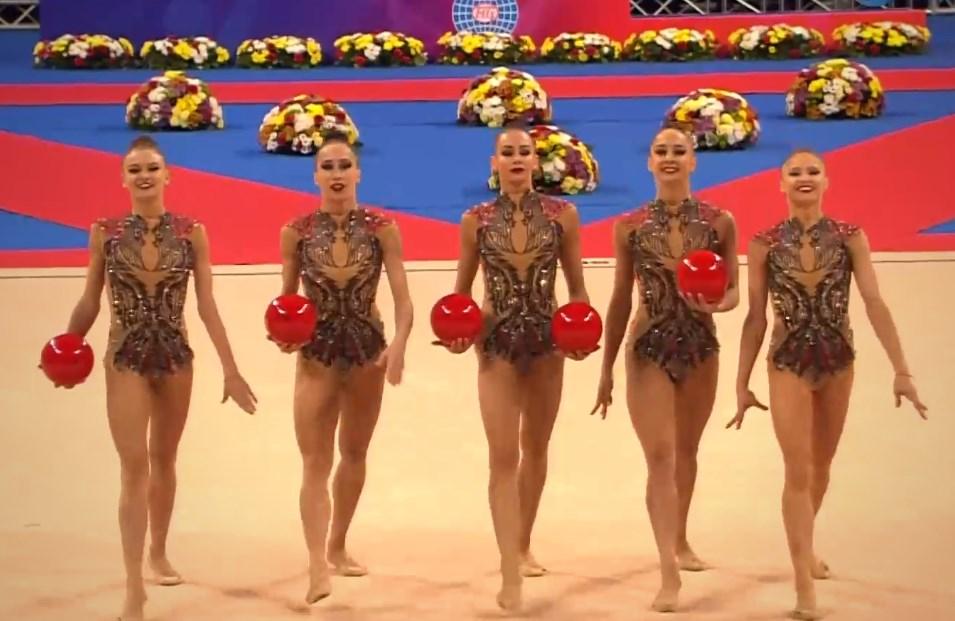 Фантастичните момичета от ансамбъла на България по художествена гимнастика предизвикаха истински фурор