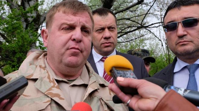 Каракачанов ще пуска дронове по границите