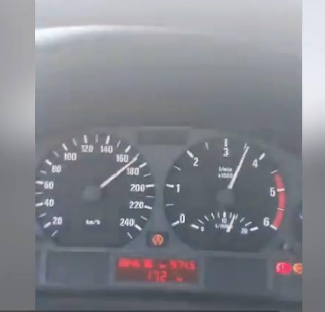 Хюсеин, бащата на загиналото дете, се фука със скорост от 170 км в час и влизане в насрещно платно във Фейсбук