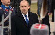 Президентът Радев, с помощта на гражданите, постави Борисов на колене