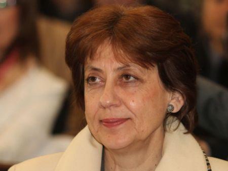 Ренета Инджова: Безчинствата ще продължат! Ще ни унижат от вън!