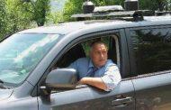 Новата пи ар стратегия на ГЕРБ е: Премиерът Борисов кара джипа на НСО за инспекции по пътищата