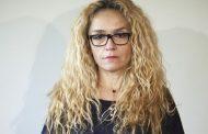 Десислава Иванчева си прави партия.