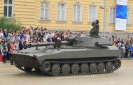 Поради липса на военна техника, изкараха и ретро машини от Втората световна война за парада на Гергьовден!