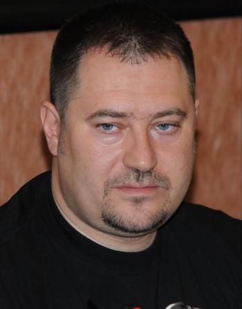 Харалампиев ще събира пари от роднини. Бившият шеф на ДАБЧ пуснат срещу 100 000 лева