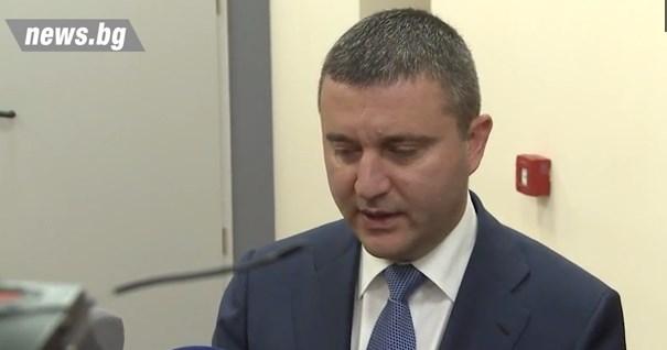Горанов: Обмисляме и самоосигуряващите се да могат да взимат безлихвен кредит.