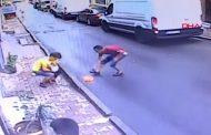 Имигрант спаси две годишно момиченце, паднало от прозорец. Вижте! (ВИДЕО)