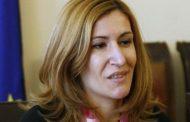Николина Ангелкова: Отваряме заведенията на закрито от 1 юни