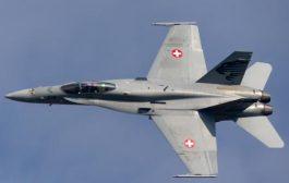 """В знак на гостоприемство, швейцарски изтребители са ескортирали самолета """"Русия"""" с Песков на борда."""