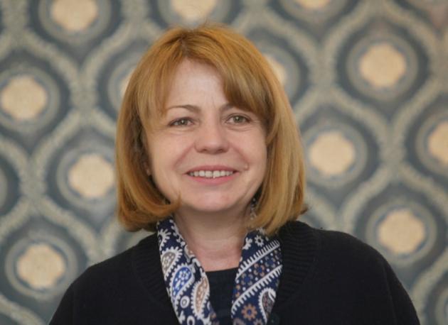 Желая от сърце на Йорданка Фандъкова да е здрава и да се сгромоляса с все сила на предстоящите избори!