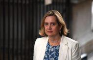 Амбър Ръд, министър на трудовата заетост и социалните грижи на Великобритания, подаде оставка  с бум и трясък