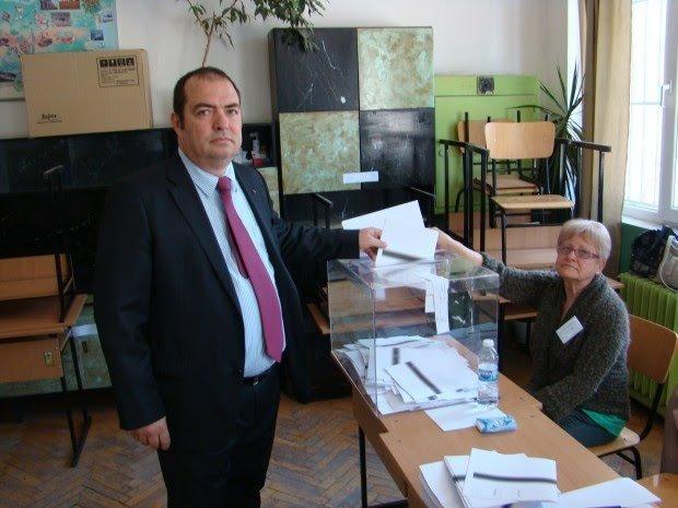 Професор Димитър Шишков напусна листата на ГЕРБ. Не може простаците да са пред интелигенцията