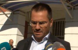Евродепутатът Ангел Джамбазки е с отнета книжка и 10 точки от талона за шофиране в нетрезво състояние.