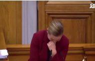 Датският премиер се разсмя неконтролируемо по време на реч (Видео)