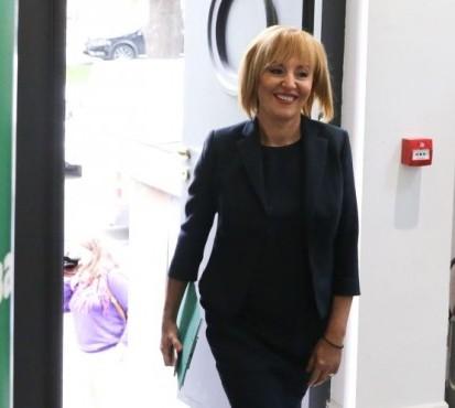 Манолова днес ще е в съда, очаквайки касиране на вота.