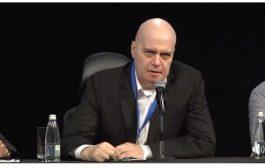 Слави Трифонов предупреди: Демократична България тласкат България към нови избори! Май забравиха кой е основния враг.