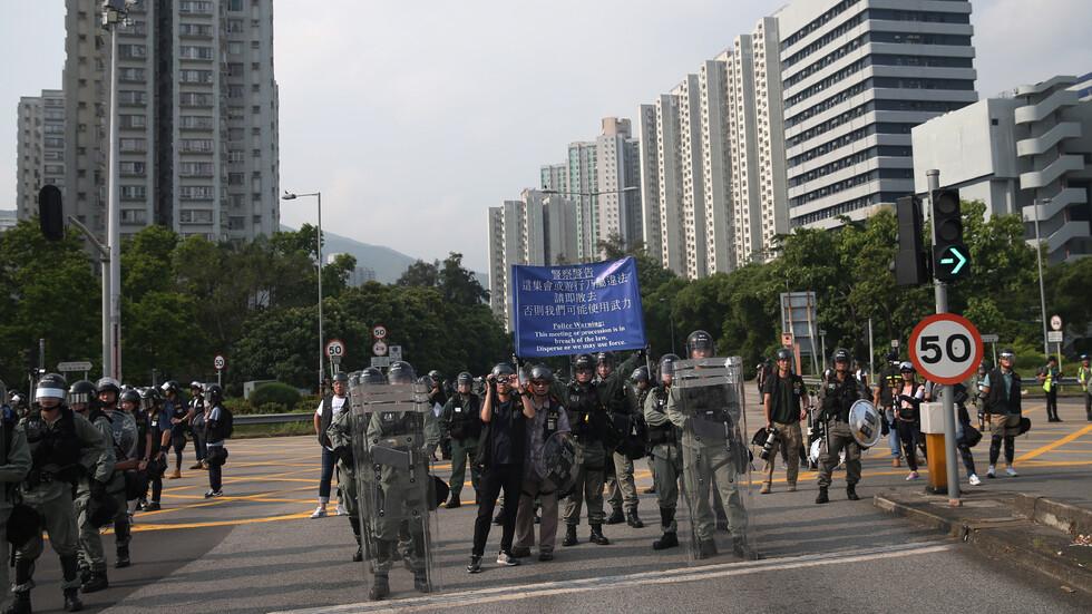 В Хонг Конг бе продадено паркомясто за милион долара, докато улиците са с протести.