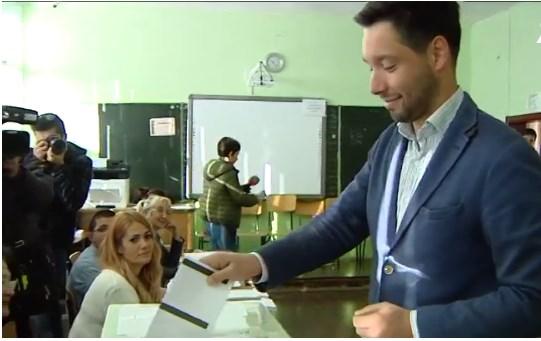 Борис Бонев: Нашите избиратели са интелигентни и високо образовани. Да гласуват по съвест за Фандъкова или Манолова.