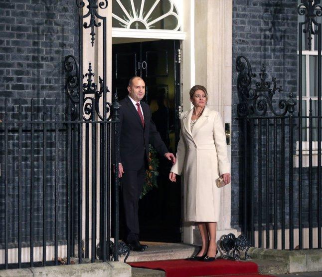 Президентът Румен Радев и съпругата му Десислава ще гостуват на английската кралица!