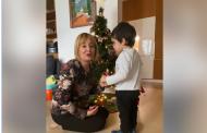 Мая Манолова: Манолова честити Коледа от фейсбук