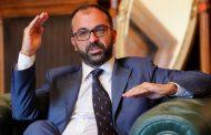Министърът на образованието в Италия, за разлика от български министри, подава оставка с чест и достойнство!