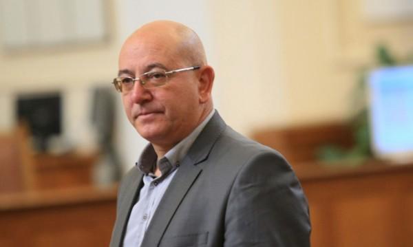 Емил Димитров – Ревизоро си е събрал нещата да напусне поста министър!