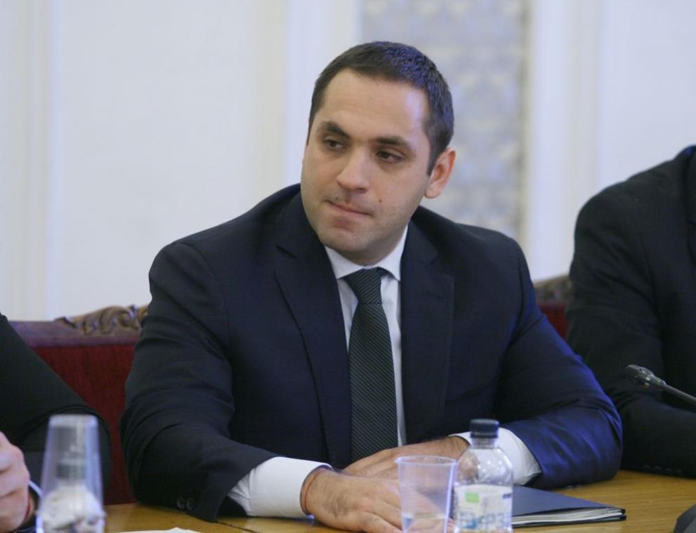 Министър Караниколов: Дайте ни ден – два и ще решим водната криза в Перник.